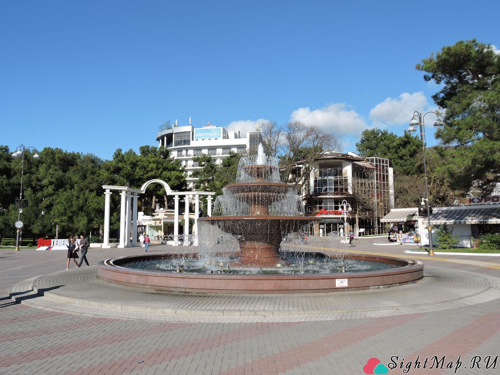 г. Геленджик, фонтан на набережной